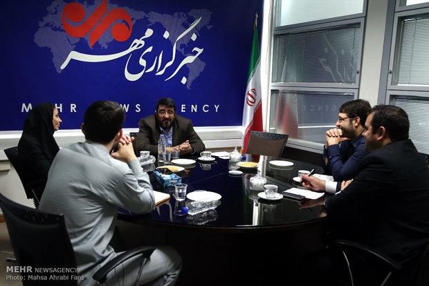 گفتگو با فواد ایزدی