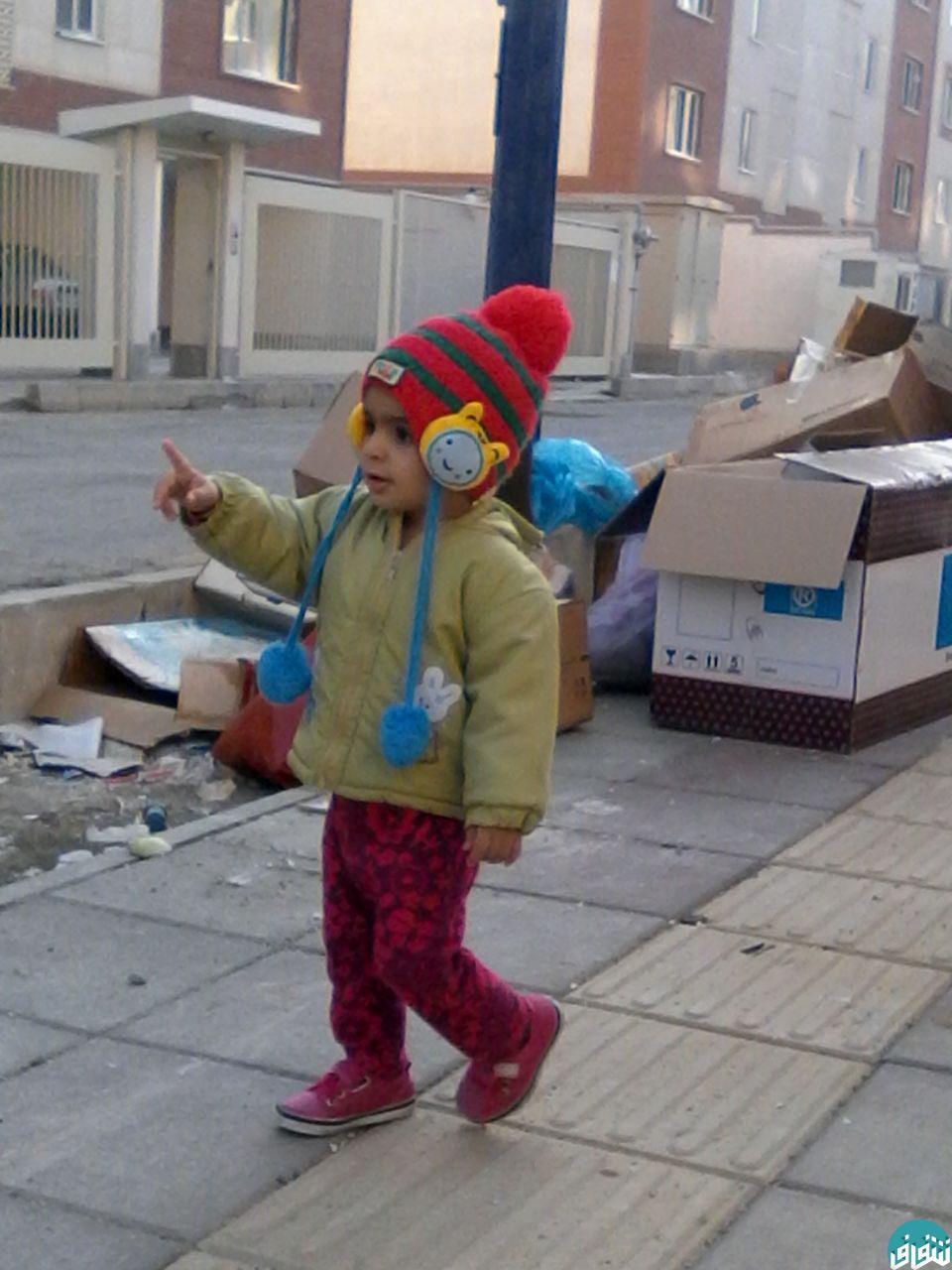 انباشت زباله در معابر مسکن ویژه تهرانسر / پاسکاری مردم بین شهرداری و شرکت مجری (پیش نویس)